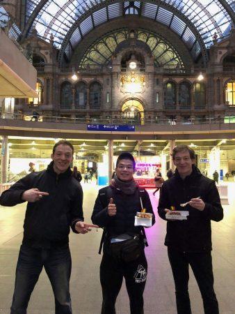 アントワープ駅にてミシェール先生とマウリース先生と with ベルギーワッフル